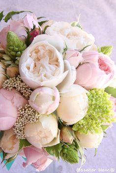 05/11/11 round bouquet
