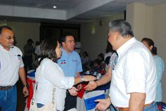 Norman Quijano candidato presidencial por ARENA compartiendo con el sector empresarial de Sonsonate.