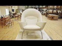 The Oculus Chair by Hans J. Wegner - YouTube
