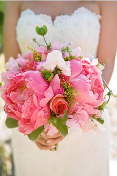 I love these flowers and that dress!