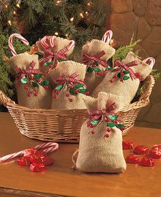 Set of 6 Burlap & Berry Treat Bags|The Lakeside Collection