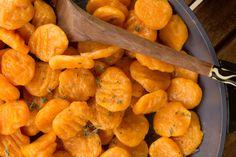 Delikatne i smaczne kluseczki gnocchi z dyni dla niemowlęcia po 10 miesiącu Carrots, Vegan Recipes, Vegetables, Cooking, Pierogi, Healthy Foods, Spring, Meals, Vegan Food