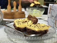 Atenție: se mănâncă o tavă odată. Prăjitura cu cremă galbenă - Și Blondele Gândesc Cake Recipes, Dessert Recipes, Desserts, Sweet Cooking, Food Cakes, Kiwi, Tiramisu, Blond, Cookies