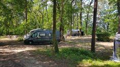 Camping Schwielowsee: liebevoller Naturcampingplatz in traumhafter Lage. Noch nie haben wir auf einem Campingplatz so liebevolle Details gesehen. Perfekt für Familien und Camping mit Kindern. Camping Am See, Parks, Der Bus, Camper, Outdoor, Advent, Public Bathing, Places Worth Visiting, Perfect Place