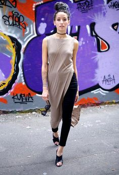 maxi-t-shirt-street-style-mule-shoes