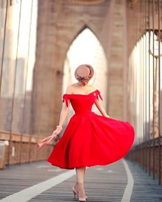 Red Off the Shoulder Party Dress Source by dresses videos Vintage Red Dress, Retro Dress, Vintage Dresses, Vintage Outfits, Vintage Fashion, Red Fashion, Gala Dresses, Dance Dresses, Casual Dresses