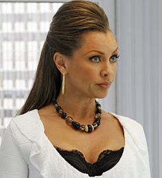 Vanessa Williams as Wilhemina Slater (Ugly Betty) Helen Williams, Vanessa Williams, African American Hairstyles, African American Women, Jacqueline De Ribes, Carmen Dell'orefice, Diahann Carroll, Julie Newmar, Ugly Betty