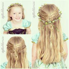"""Today's hairstyle was inspired by Mindy @cutegirlshairstyles: #CGHMermaidBraidCombo. Emma picked a flower crown to match her princess Anna dress ❄️ // dagens frisyre var inspirert av Mindy @cutegirlshairstyles: #CGHMermaidBraidCombo Emma ville pynte med en blomsterkrans for å matche prinsesse Anna-kjolen ❄️"" Photo taken by @flettemia on Instagram, pinned via the InstaPin iOS App! http://www.instapinapp.com (07/11/2015)"