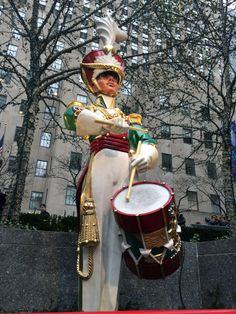 New York City's best holiday attractions! #christmas #nyc