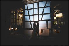Die Hochzeitslocation bei Tübingen, ist der Landhof Kemmler. Hochzeitsfotografie bei Nacht. Foto: Karoline Kirchhof