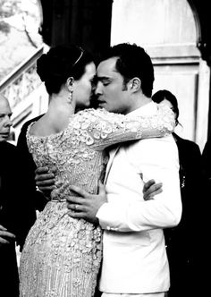 My 2000th Pin: Blair and Chuck. I only hope that someday I'll be lucky enough to find a man who loves me as insanely much as these two... Fictional or not, this type of inevitable, all consuming, passionate and yet comfortable love is all that I want.