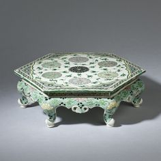 A&J Speelman Oriental Art | Chinese | Porcelain | A famille verte hexagonal miniature table | Kangxi period (1662-1722), Qing dynasty, China