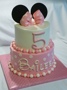 Pink Minnie Mouse Cake by Katherine Figueroa