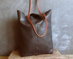 Black tote soft spanish leather de LAMILAcanvas2 en Etsy