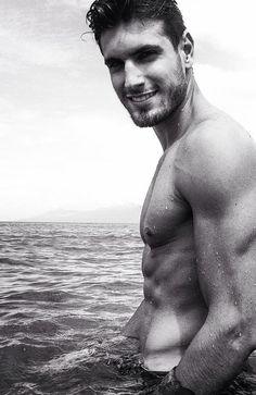 Guilherme Leao - Brazilian security guard/part time model.. Come to find Brazilian men are like heaven sent!