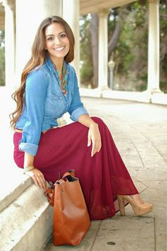 I've got 47 great new looks for this spring-summer 2018 season. If you want to dress to impress, then you better look through this awesome outfit inspiration Maxi Skirt Outfits, Modest Outfits, Modest Fashion, Cute Outfits, Fashion Outfits, Womens Fashion, Apostolic Fashion, Modest Clothing, Cheap Fashion