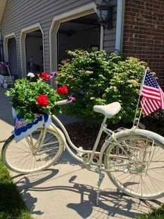 Repurpose a bike for a special occasion • design / photo: savvycityfarmer