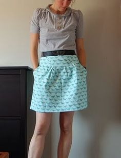 Crescent skirt pattern by sewaholic, love the pockets.