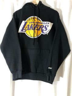 vintage LA Lakers hoodie on Mercari Retro Outfits, Cute Casual Outfits, Stylish Outfits, Tomboy Fashion, Streetwear Fashion, Girls Fashion Clothes, Fashion Outfits, Nike Vintage, Trendy Hoodies