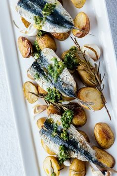 Sardines possess an intense rich flavour making them the perfect foil to a sprightly salsa verde in this Mediterranean-inspired dish from Shaun Hill. Grill the sardines for a crispy skin. Sardine Recipes, Fish Recipes, Seafood Recipes, Cooking Recipes, Healthy Recipes, Healthy Snacks, Royal Recipe, Grilled Sardines, Nordic Recipe