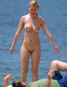 beachCMNF.jpg (735×954)