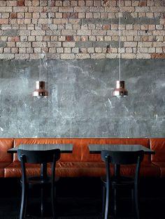 Luminária Pendente 45. Designer: David Moreland Design.