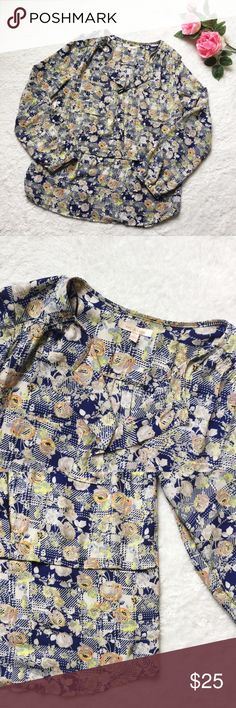 Skies Are Blue floral top Beautiful multicolor floral shirt by Skies Are Blue from Stitch Fix. Size Large. Measures: (coming shortly). Gently worn and in great condition. Please ask questions 💫 Skies Are Blue Tops