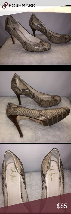 Cole Haan pumps Lightly worn but still in great condition. These pumps are vintage because they were made when Nike owned Cole Haan. They are made very sturdy and comfortable. Make an offer or bundle Cole Haan Shoes