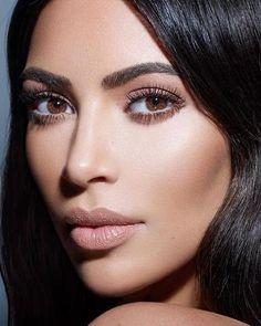 Makeup looks kylie jenner kim kardashian Ideas Looks Kim Kardashian, Kim Kardashian Kylie Jenner, Looks Kylie Jenner, Kardashian Style, Kardashian Fashion, Kardashian Beauty, Classic Makeup Looks, Beauty Makeup, Hair Beauty