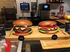 Муляжи в витрине ресторана. — Блог Вафика Катина Fake Food, Hamburger, Ethnic Recipes, Hamburgers, Burgers, Loose Meat Sandwiches, Cheat Meal