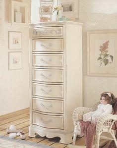 Lea Jessica McClintock Drawer Lingerie Chest in Antique White