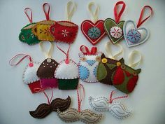 felt ornament ideas.  Great Christmas ornaments for families with small children and pets.