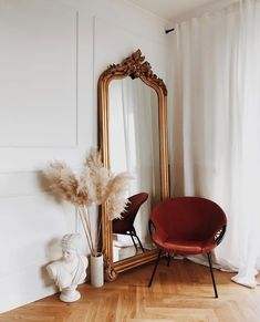 Playlist : Five Songs for the Weekend :: This Is Glamorous - Home deco - Decoration Inspiration, Decoration Design, Interior Inspiration, Decor Ideas, Mirror Inspiration, Bedroom Inspiration, Style Inspiration, Style Ideas, Bedroom Ideas