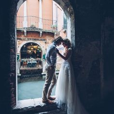 VENICE  Even without the turquoise canal, find a little spot that is dark and romantic and let the character of the place + your love seep out into it!  Pinned from hochzeitswahn