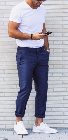 5 Must have Chino Colors for Men This Year http://www.99wtf.net/young-style/urban-style/college-student-clothes-ideas-fashion-2016/