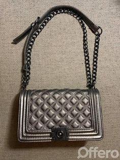 Offero - Inzeruj lepšie Chanel Boy Bag, Shoulder Bag, Bags, Fashion, Handbags, Moda, Fashion Styles, Shoulder Bags, Fashion Illustrations