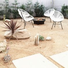 domino magazine sand backyard with acapulco chairs Landscaping Sand, Landscaping Backyard On A Budget, Modern Landscaping, Backyard Ideas, Sand Backyard, Backyard Hammock, Desert Landscape Backyard, Ok Design, Yard Design