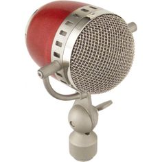 Medium diaphragm condenser microphone with looks well beyond its price range.