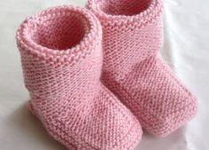 Strikk og tøys: Babysokk trinn for trinn - illustrert. With Photo tutorial Baby Boy Crochet Blanket, Crochet Baby Cocoon, Crochet Socks, Baby Boy Blankets, Crochet Baby Shoes, Baby Hats Knitting, Knitting For Kids, Baby Knitting Patterns, Baby Snacks
