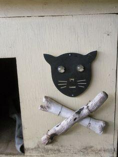 Dog Kennel Artwork - bird scarer, bone, driftwood, wire
