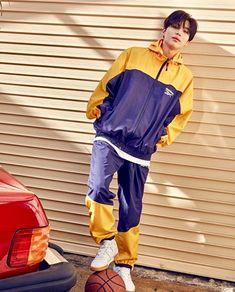 Taemin : Back to the 90's REEBOK CLASSIC X Critic Collaboration