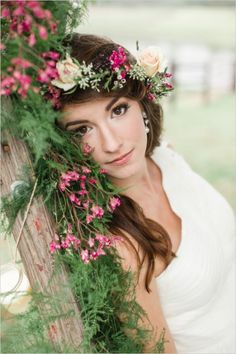 barely there wedding makeup and floral crown #floralcrown #bridalmakeup #weddingchicks http://www.weddingchicks.com/2014/01/20/boho-garden-wedding/