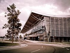 Bratislava Airport. Letisko Bratislava M.R. Stefánika.