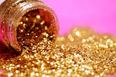 Bottle of Spilled Gold Glitter photo by Sharon McCutcheon ( on Unsplash Glitter Tattoos, Glitter Photo, Gold Glitter, Glitter Face, Glitter Top, Edible Glitter, Glitter Eyeshadow, Gold Gold, Eyeshadow Palette