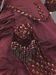 1880s ___ Dinner Dress ___ silk ___ American (Brooklyn) ___ at The Metropolitan Museum of Art ___ photo 3