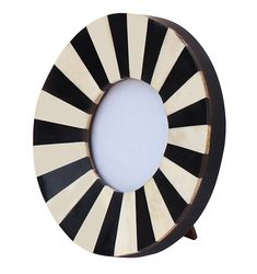 Buy round picture frame in bulk - wholesale handmade black & white photo frame/stand in mdf & resin - Home/office/table and desktop decor accessory suppliers from India Round Picture Frames, White Photo Frames, Picture Frame Decor, Wooden Picture Frames, Photo Picture Frames, White Picture, Desktop Decor, Home Decor Pictures, Home Office Decor