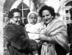 Brana Staum Pinsky a baby & Lee Staum Goldberg | by reel3d1