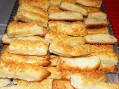 Hot Dog Buns, Hot Dogs, Romanian Food, Foodies, French Toast, Food And Drink, Cheese, Vegan, Breakfast