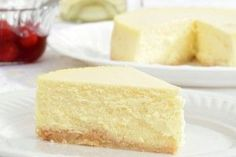 One Minute Ketogenic Cheesecake. 2 ounces cream cheese, softened 2 Tbsp heavy cream 1 egg ½ tsp lemon juice ¼ tsp vanilla 2-4 Tbsp sugar substitute such as powdered erythritol or stevia (mix two or more for a better flavor) Combine all ingredients in a 1.5 cup microwave-safe bowl, and whisk until smooth. Place in microwave and cook on high for 90 seconds, stirring every 30 seconds to remix ingredients. Refrigerate until ready to serve.