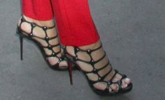 """Blake Lively Looks Red Hot in Christian Louboutin """"Neuron"""" Sandals"""